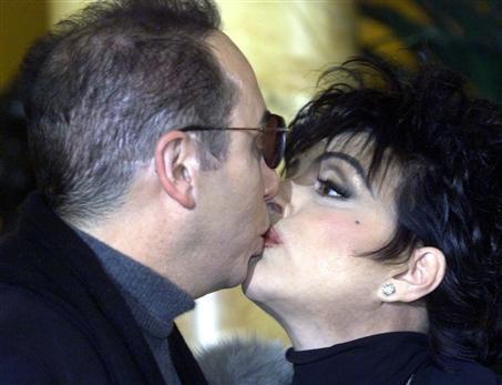 Nữ diễn viên Liza Minnelli, năm nay 66 tuổi, đã kết hôn và ly hôn 4 lần.