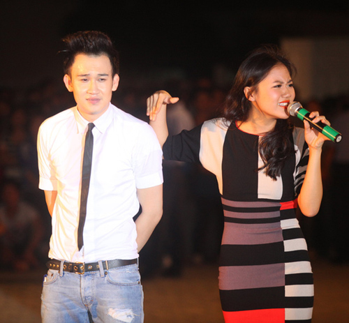 Dương Triệu Vũ song ca với Văn Mai Hương ca khúc 'Lời yêu thương'.