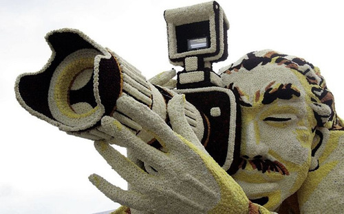Chân dung nghệ sĩ nhiếp ảnh.