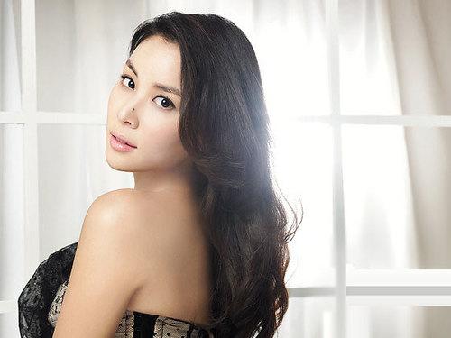 Go So Young, người phụ nữ xinh đẹp nhất trong lòng Jung Woo Sung.