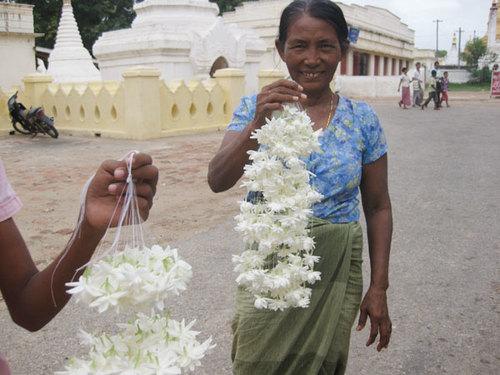 Những người dân thân thiện và cởi mở, bạn có thể bắt gặp hình ảnh này khắp đất nước Myanmar.