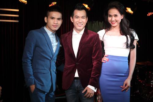 Ca sĩ Quốc Thiên Idol và Hoa hậu Dương Mỹ Linh đến ủng hộ bạn thân.