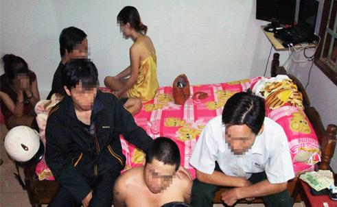 Một vụ mua bán dâm bị Công an tỉnh Đắk Lắk phát hiện.