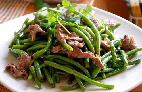 Giới thiệu với bạn làm món ăn quen thuộc sao cho thịt mềm, đậu xanh, mềm vừa phải.