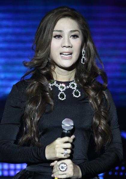 Đầu năm 2013, Khanh Chi Lâm sẽ phát hành single thứ hai mang tên 'Nhịp thở', cũng là bài hát chủ đề của phim 'Yêu em, anh dám không?'.