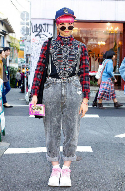 Here's an eye-catching Harajuku girl w/ pink hair wearing rolled up acid wash jeans frm Chicago w/ checkered suspenders, white/pink platform sneakers from Pin Nap Harajuku + a plaid button down shirt and a skeleton vest from Nadia and a black tote bag from American Appare