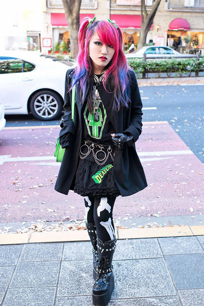 Here's Lisa - our favorite friendly pink-haired guitar-playing English-speaking Japanese high school student! When we ran into Lisa in Harajuku, she was wearing a Kreepsville 666