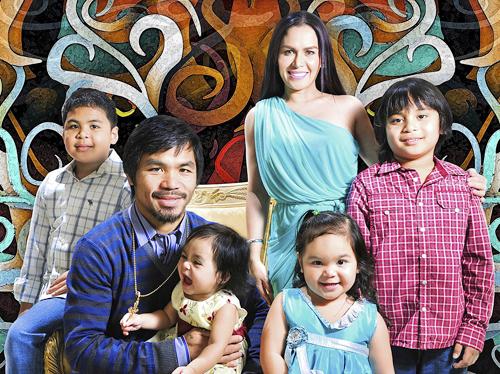 Pacquiao bên vợ và các con.