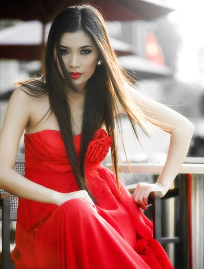 Siêu mẫu Lan Hương