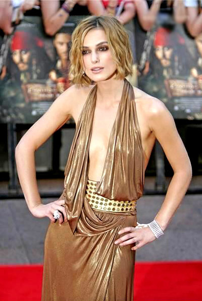 Keira shows off her sexy side in this ultra-glamorous Gucci lame dress to the Pirates Of The Caribbean premiere in 2006.