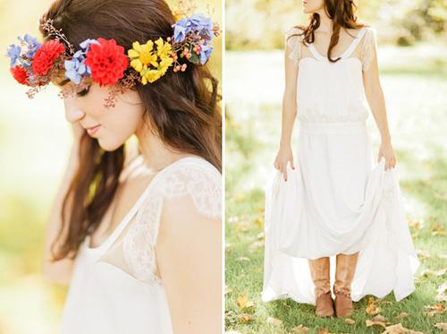 Ngoài hoa cầm tay, cô dâu còn tô điểm cho mái tóc bằng một vòng hoa nhỏ với màu sắc đan xen là cam, hồng và xanh.