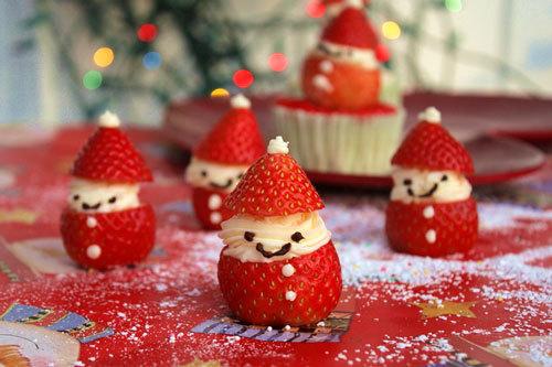 Đây là một cách làm món ăn trang trí dễ thương hoặc để làm quà tặng đơn giản, dễ thực hiện trong lễ Giáng sinh.