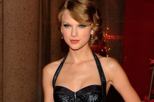 Năm 2012, Taylor Swift trở thành ngôi sao trẻ nhất nhận giải thưởng