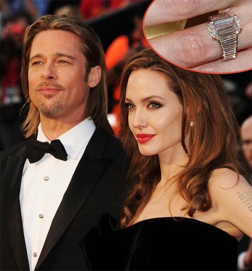 Chiếc nhẫn đính hôn 16 carat của Angelina Jolie có giá khoảng 500.000 USD, được thiết kế hoàn hảo với ngón tay dài và gầy của Jolie, gồm 1 viên kim cương 7 carat hình chữ nhật ở giữa và những viên nhỏ tổng cộng 9 carat ở xung quanh.