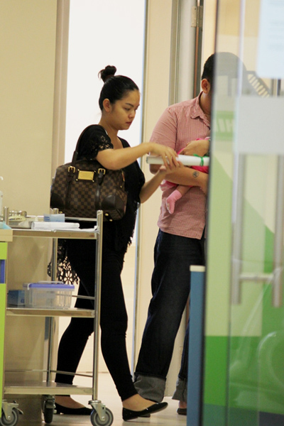Phạm Quỳnh Anh vẫn chưa lấy lại được vóc dáng, trông cô khá nặng nề.