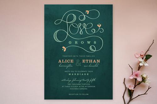... hoặc đậm, không nhất thiết phải đúng theo sắc màu chủ đạo của đám cưới, để tạo chi tiết khác lạ, gây ấn tượng với khách mời.