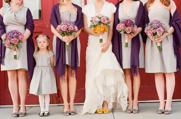 Phủ đám cưới với hoa hồng lãng mạn