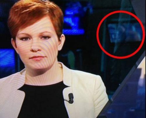Cảnh tươi mát xuất hiện trong chương trình thời sự của TV4News. Ảnh: Aftonbladet
