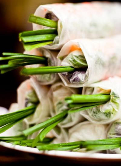 Gỏi cuốn tại Quán Ăn Ngon  Một trong những món ăn của Việt Nam được ghi vào kỷ lục Châu Á.