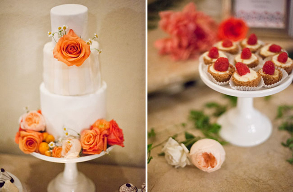 Bàn bánh cưới rực rỡ với gam màu cam.