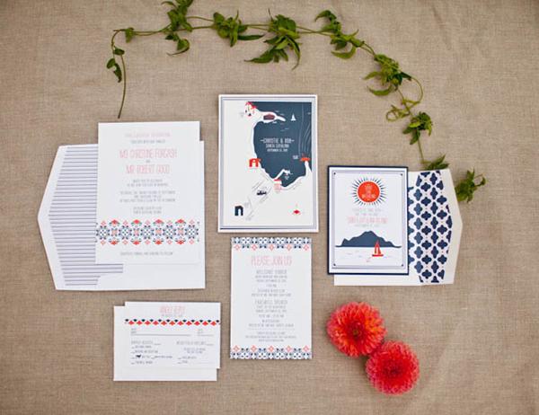 Từ thiệp cưới, đôi uyên ương đã chọn sắc màu chủ đạo là cam và xanh đậm cho đám cưới.
