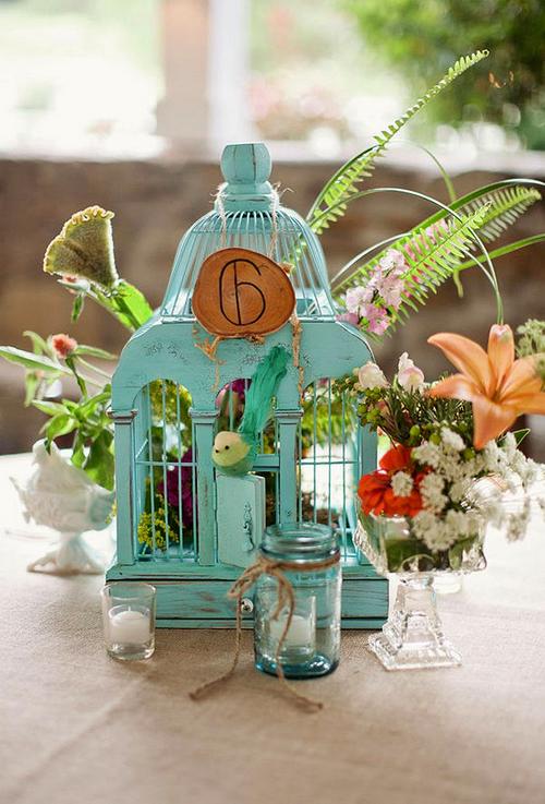 Lồng chim vintage làm đẹp bàn tiệc cưới