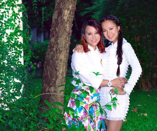 Hình ảnh Ngọc Linh và Diễm Quyên trong MV 'Tình thơ' 2013.