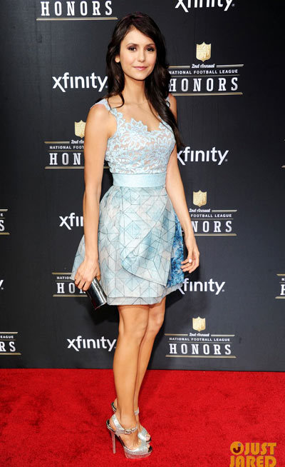 Nina Dobrev hit the red carpet at the 2013 NFL Honors held on Saturday (February 2) at the Mahalia Jackson Theater in New Orleans, La. wearing a Zuhair Murad dress.