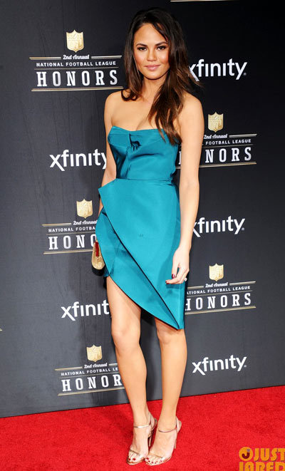 Hilaria Thomas hit the red carpet at the 2013 NFL Honors in the same turquoise dress on Saturday (February 2) at the Mahalia Jackson Theater in New Orleans, La.