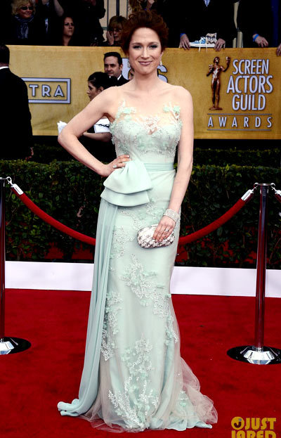 Ellie Kemper shine on the red carpet at the 2013 Screen Actors Guild Awards held at the Shrine Exposition Center on Sunday (January 27) in Los Angeles. chose a Reem Acra gown