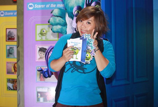 """Phương Anh Idol cũng là fan của thể loại hoạt hình nên không bỏ lỡ cơ hội đến xem """"Monster, Inc""""."""