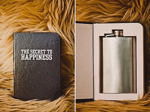 Món quà đặc biệt, đầy tình cảm của cô dâu dành cho chồng tương lai.