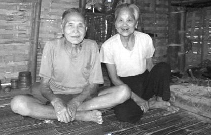 Chuyện tình của hai cụ đã làm lay động nhiều trái tim người dân thôn Mành.