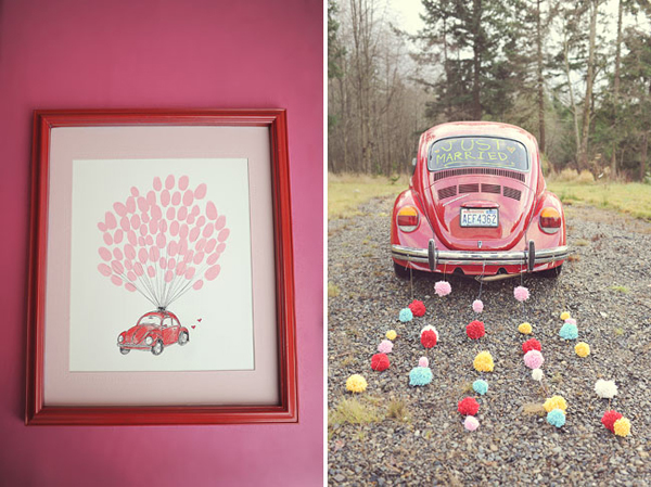 Cô dâu chú rể còn trang trí cho xe hoa với những dải hoa giấy xinh xắn. Tấm bảng ký tên dành cho khách mời cũng mang màu hồng ton sur ton với toàn bộ sắc màu trang trí đám cưới.