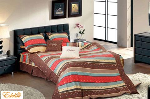Nếu muốn trang trí phòng ngủ theo phong cách trẻ trung, bạn hãy sử dụng bộ chăn ga Edelin LP 1316. Với những họa tiết kẻ sọc ấn tượng cùng với những màu sắc rực rỡ bộ chăn ga gối đệm Edelin LP 1316 sẽ mang lại cảm giác tươi mới ngập tràn sức sống cho phòng ngủ của bạn.