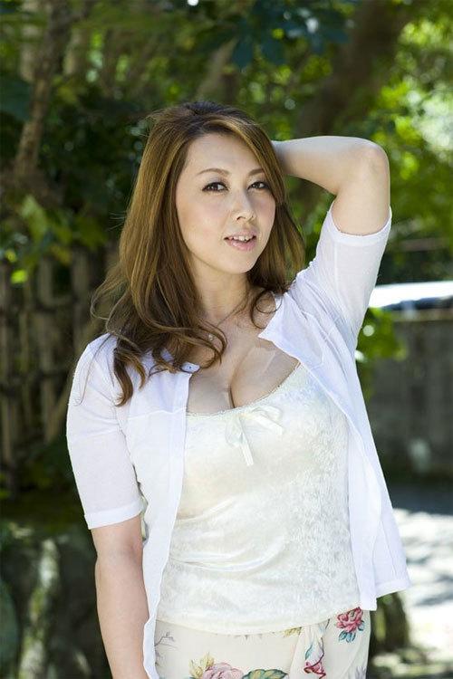 Sao phim sex Nhật Bản chia sẻ càng đóng phim sex càng máu hơn