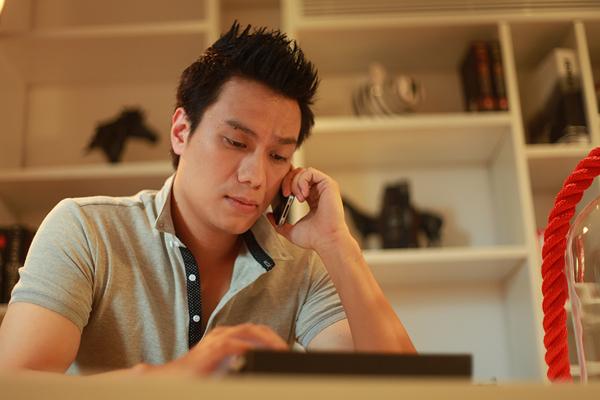 """Nam chính của phim được giao cho Việt Anh, gương mặt quen thuộc với khán giả trong nhiều phim như """"Chạy án"""", """"Gió nghịch mùa"""", """"Chân trời trắng""""..."""