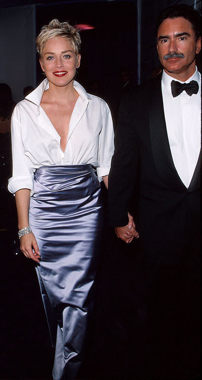 Sharon Stone in a Vera Wang skirt and Gap shirt, 1998 Sharon Stone made a bold fashion statement when she walked the red carpet at the 1998 Oscars in a lilac Vera Wang skirt and a cheap white button-down shirt from The Gap. Talk about mixing high and low!