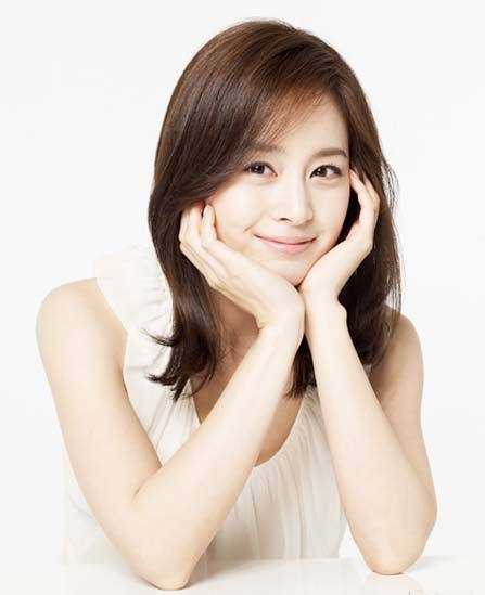 Diễn viên Kim Tae Hee, một trong những diễn viên với gương mặt đẹp tự nhiên.