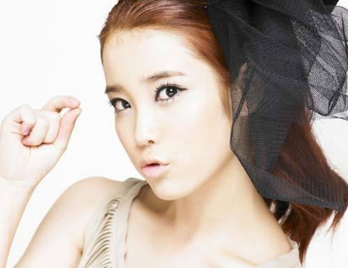 Nữ ca sĩ IU.