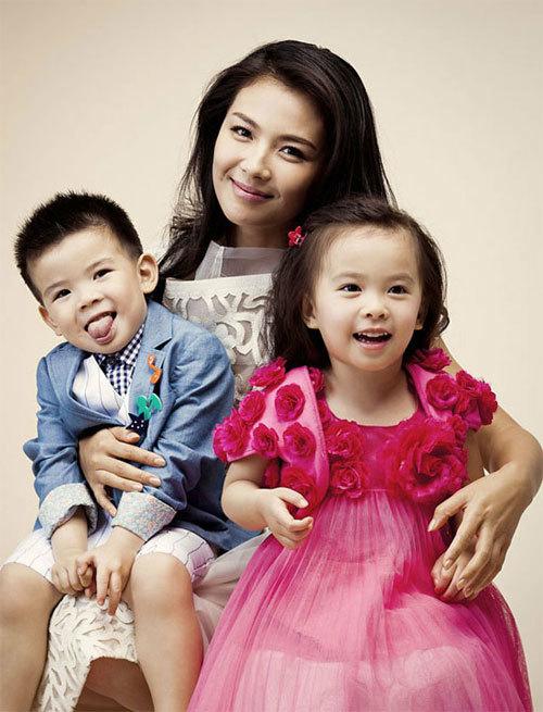 Lưu Đào và hai con.