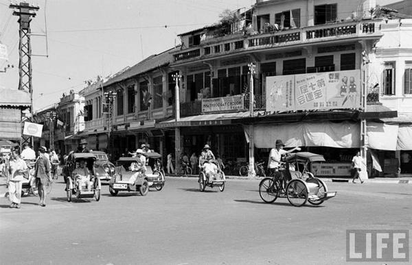 Vào lúc này, trung tâm Chợ Lớn là một khu buôn bán sầm uất, nơi tập trung nhiều cửa hàng của người Hoa và các thương nhân Hoa Kiều phát đạt.