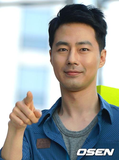 """Thời gian này, Jo In Sung đang gây chú ý với vai diễn chính trong """"Gió mùa đông năm ấy""""."""
