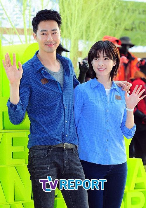 Thân hình cao và gương mặt nam tính khiến Jo In Sung nổi bật.