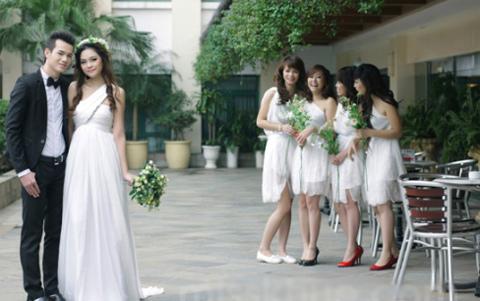 Đáng yêu như những thiên thần trong váy trắng xinh