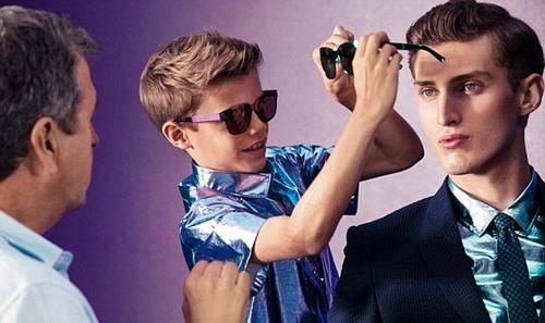 Cuối năm ngoái, Romeo gây chú ý khi được nhãn hiệu Burberry mời làm người mẫu quảng cáo cho bộ sưu tập xuân hè 2013 của hãng.