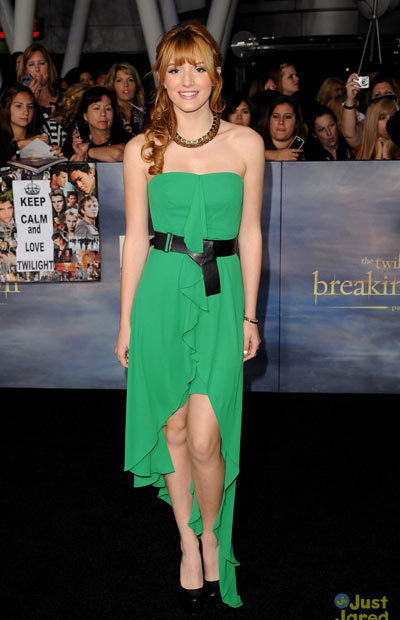 Bella Thorne is gorgeous in green at the premiere of The Twilight Saga: Breaking Dawn Part 2 held at Nokia Theatre L.A. Live on Monday night (November 12) in Los Angeles. The 15-year-old actress wore a BCBG dress to the event to support pal Taylor Lautner.