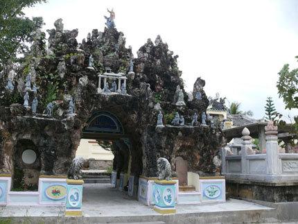 Kiến trúc độc đáo trong khu lăng mộ.