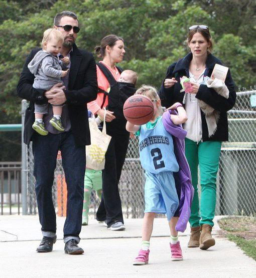 """Đạo diễn phim """"Argo"""" đưa vợ con đi chơi tại công viên ở"""