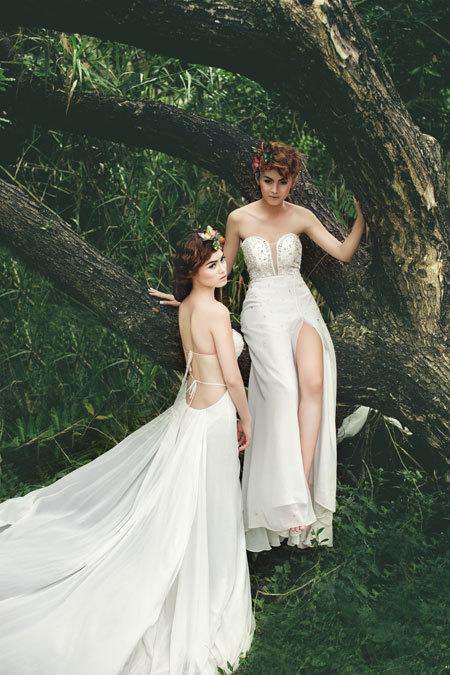Kiểu trang điểm phóng khoáng, tự do này đưa đến những sáng tạo ấn tượng, không bị trùng lặp với bất cứ cô dâu nào. Vì thế, việc chọn váy cưới cũng thoải mái hơn. Bạn có thể chọn những chiếc váy sexy, phá cách và không tuân theo các quy tắc truyền thống.